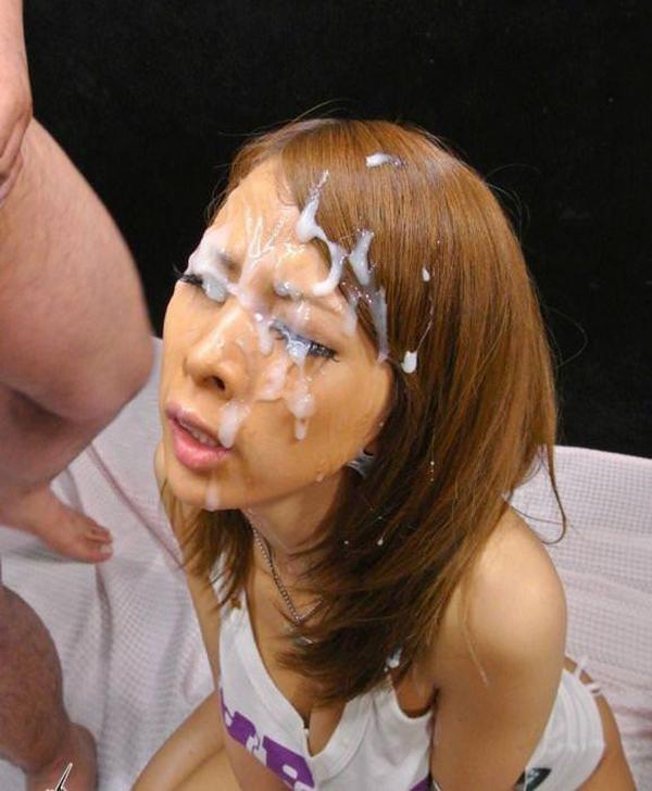 【顔射エロ画像】顔射されて顔面がザーメンにまみれた女の子の表情がソソる! 23