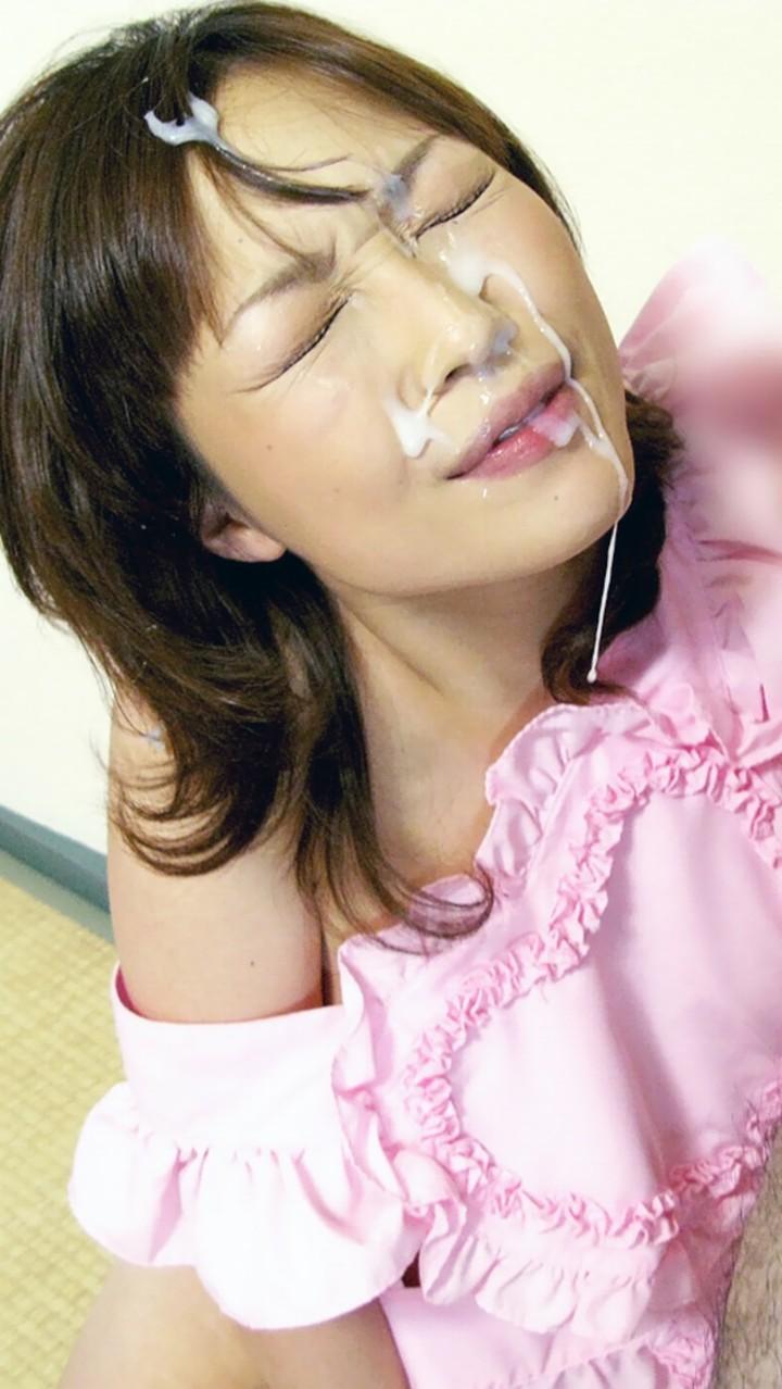 【顔射エロ画像】顔射されて顔面がザーメンにまみれた女の子の表情がソソる! 31