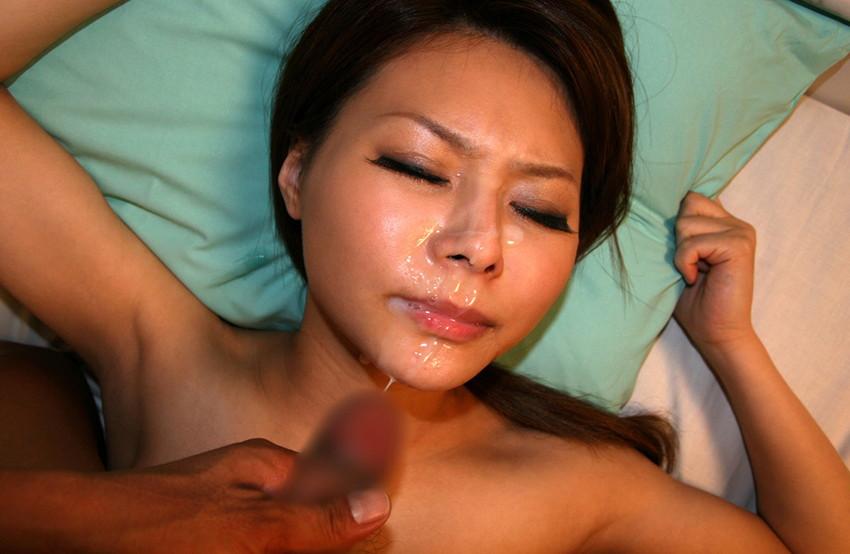 【顔射エロ画像】顔射されて顔面がザーメンにまみれた女の子の表情がソソる! 54
