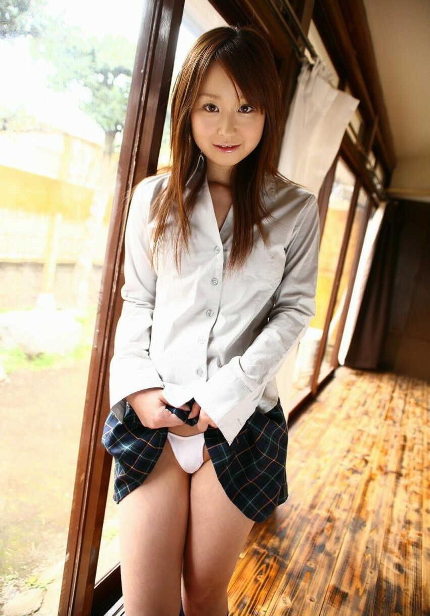 【JKコスプレエロ画像】ある意味、ホンモノよりホンモノらしいJKコスプレ美女w 34