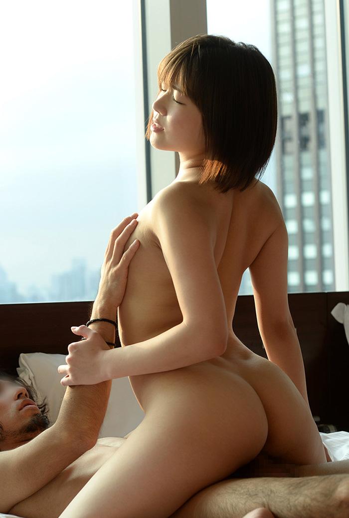 【騎乗位エロ画像】やっぱり女の子が騎乗位で腰を振る姿に興奮するんだよなぁww 48