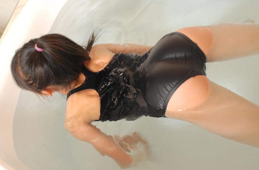 【スク水エロ画像】学生時代の水泳の授業で女子の水着が気になって仕方なかったやつ必見ww 09