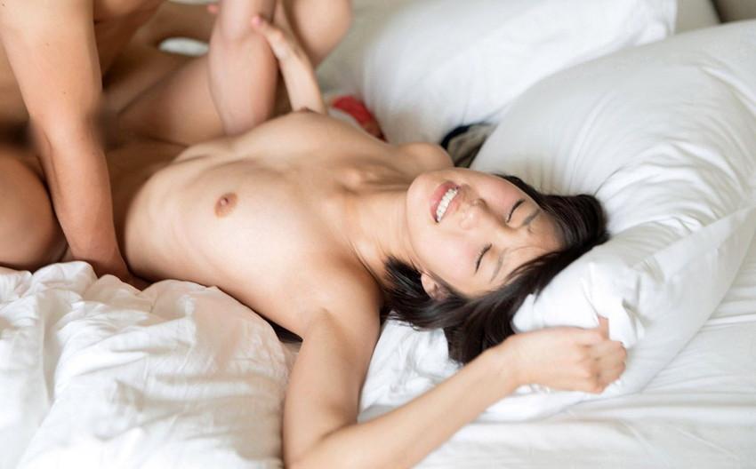 【正常位エロ画像】傍から見るとここまでエロい!?正常位でセックス! 27