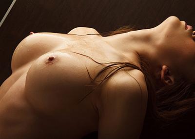 【美乳エロ画像】美しすぎてため息!?美乳と呼ぶに値する女の子のおっぱい!