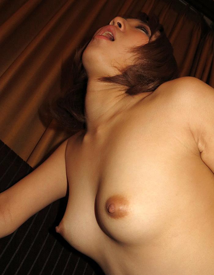 【美乳エロ画像】美しすぎてため息!?美乳と呼ぶに値する女の子のおっぱい! 17