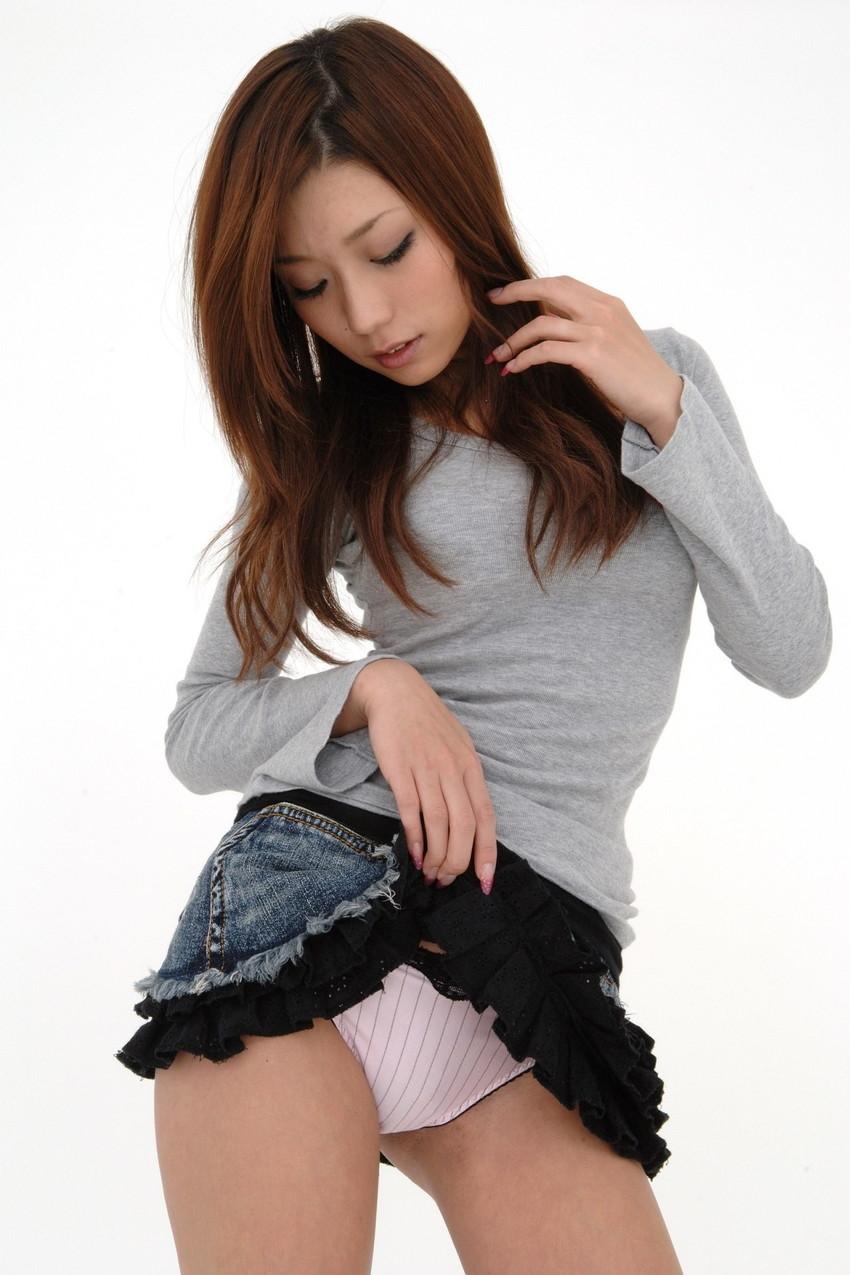 【セルフパンチラエロ画像】見てもいいよ?自らスカートの中身を見せ付ける女エロッ! 22