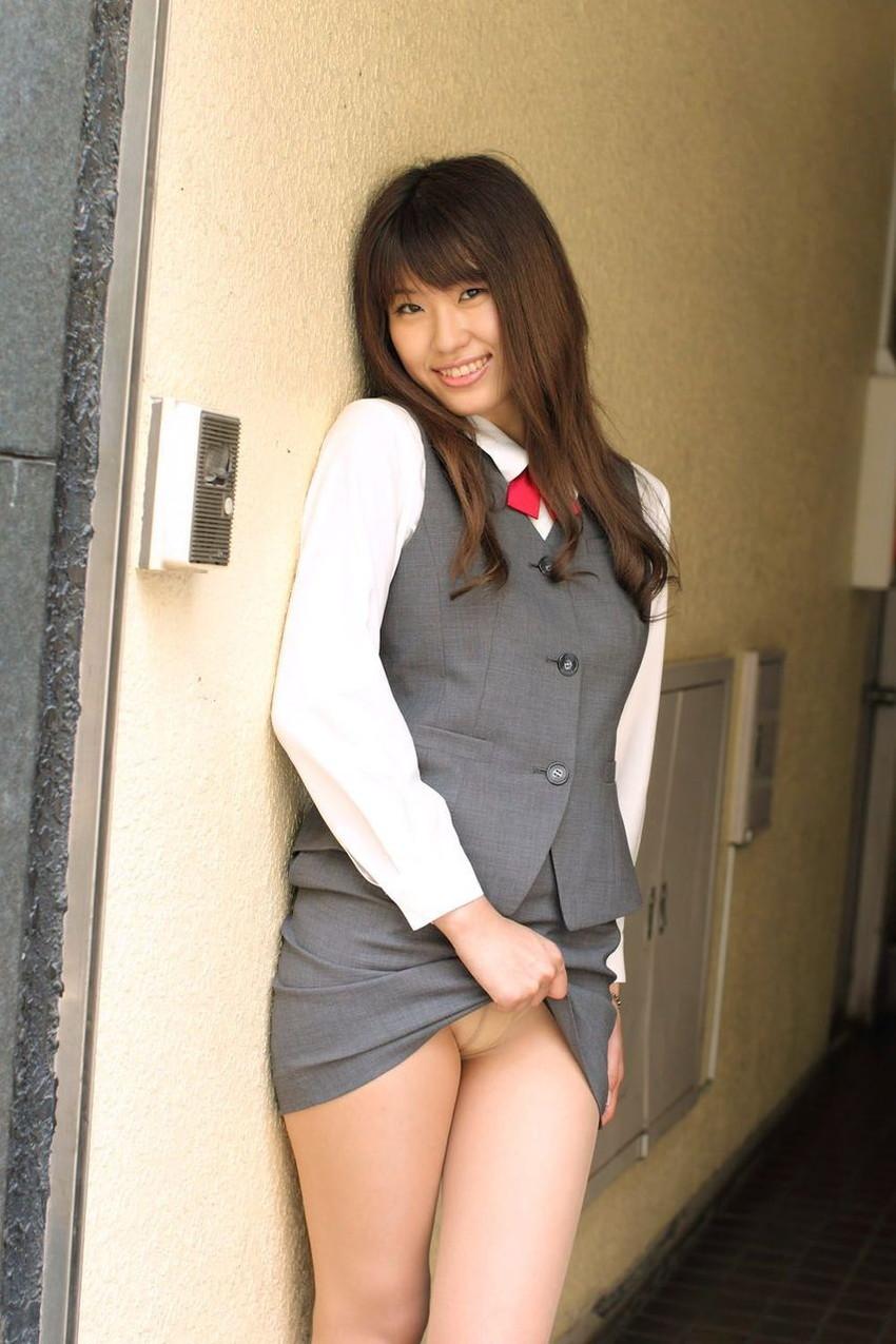 【セルフパンチラエロ画像】見てもいいよ?自らスカートの中身を見せ付ける女エロッ! 30