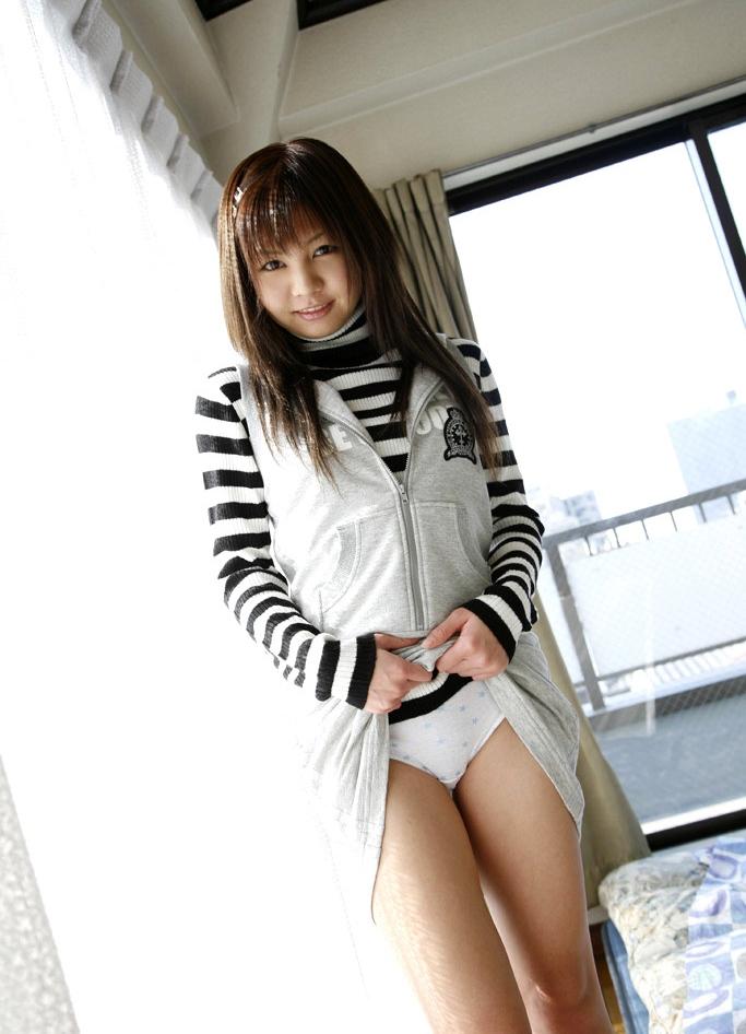 【セルフパンチラエロ画像】見てもいいよ?自らスカートの中身を見せ付ける女エロッ! 44
