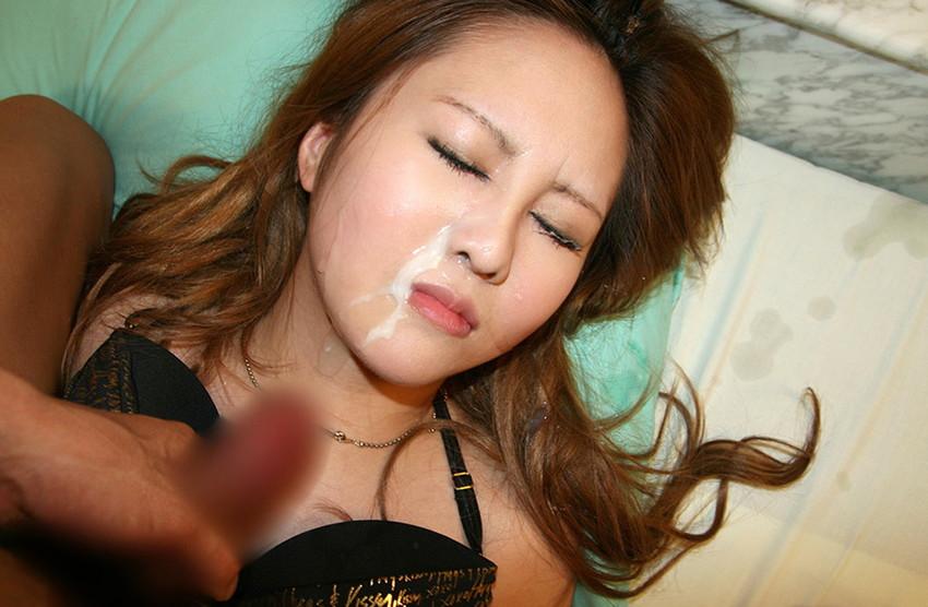 【顔射エロ画像】卑猥なフィニッシュ!顔面に精液をぶっかけられた女たち! 12