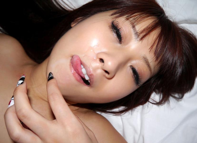 【顔射エロ画像】卑猥なフィニッシュ!顔面に精液をぶっかけられた女たち! 38
