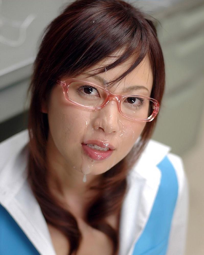 【顔射エロ画像】卑猥なフィニッシュ!顔面に精液をぶっかけられた女たち! 42