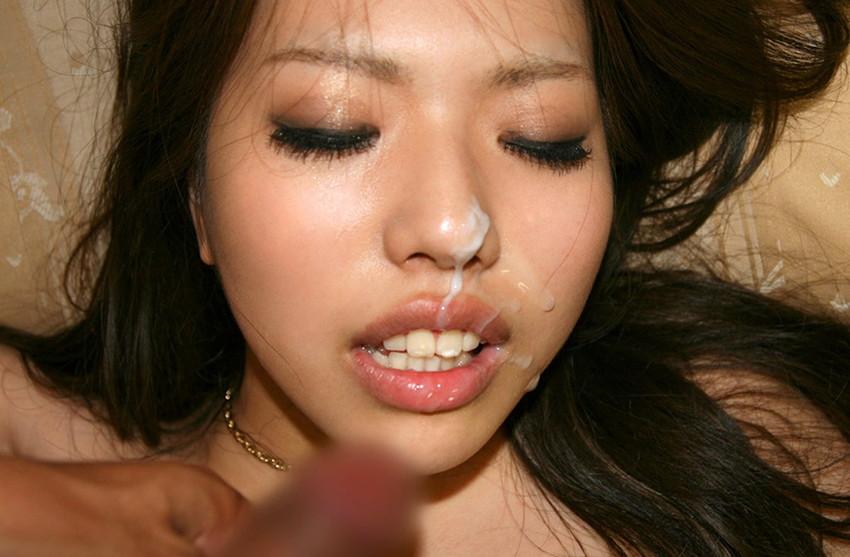 【顔射エロ画像】卑猥なフィニッシュ!顔面に精液をぶっかけられた女たち! 46