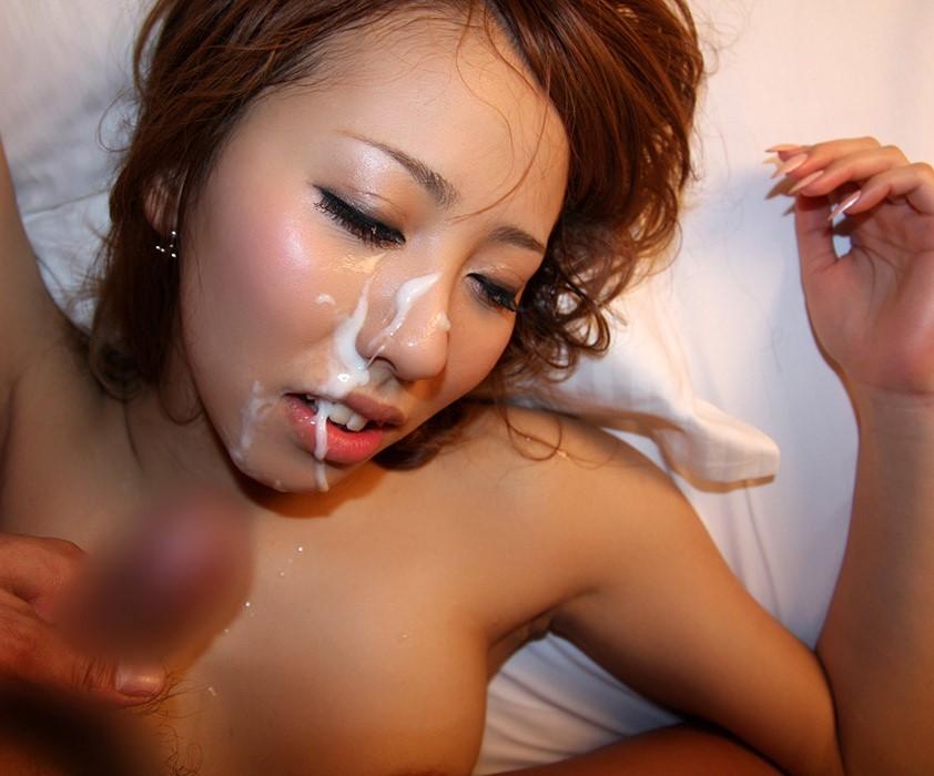 【顔射エロ画像】卑猥なフィニッシュ!顔面に精液をぶっかけられた女たち! 53