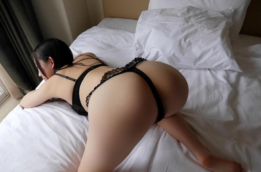 【Tバックエロ画像】美尻の女の子が履いてこそ威力を発揮する!?Tバックパンティー! 54