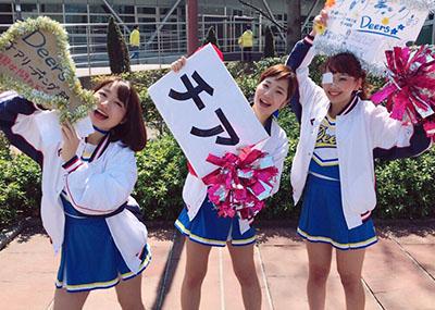 元気溢れる学生のチア部女子が→「私たちって可愛いでしょ?」して撮ってる画像まとめ※50枚!