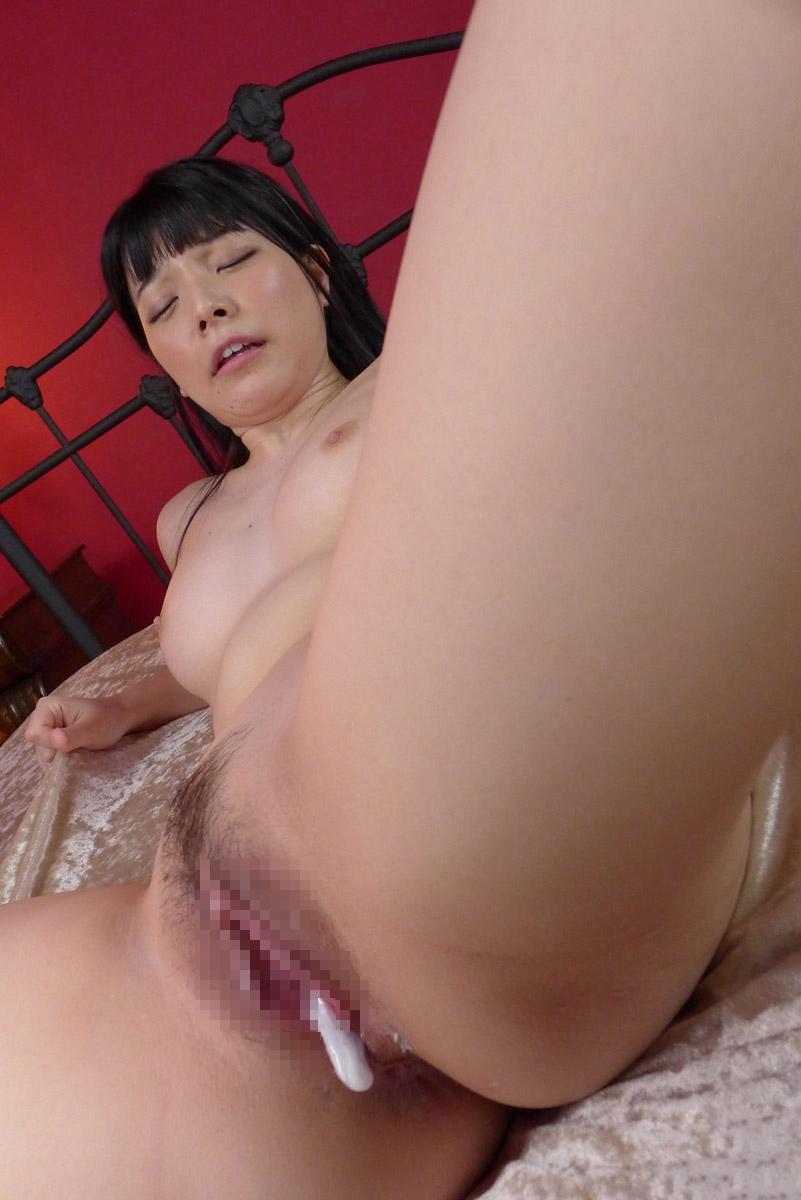 【中出しエロ画像】女の子の股間から卑猥にあふれ出すザーメンは中出しの証! 39