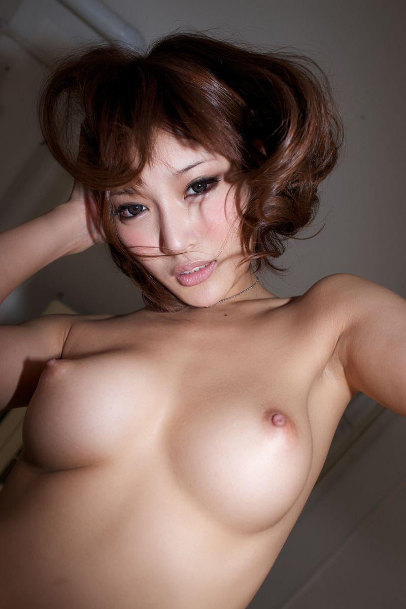 【美乳エロ画像】おっぱい好きもこれなら納得!?美乳の女の子集めたった! 12