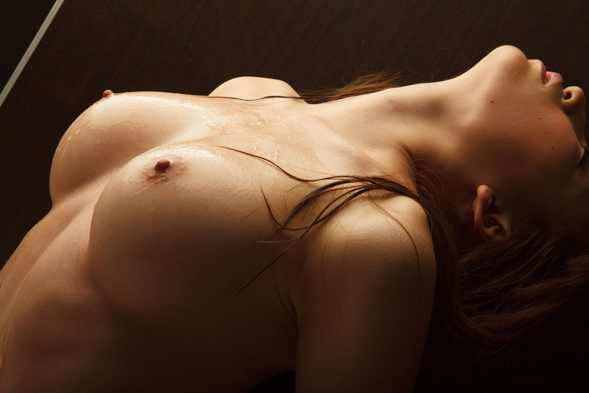 【美乳エロ画像】おっぱい好きもこれなら納得!?美乳の女の子集めたった! 25