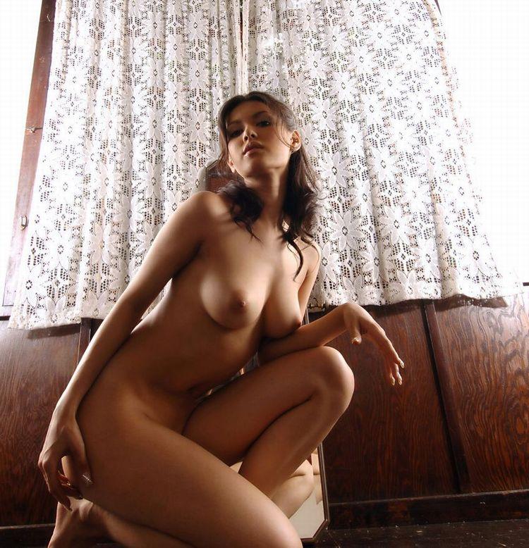 【美乳エロ画像】おっぱい好きもこれなら納得!?美乳の女の子集めたった! 30