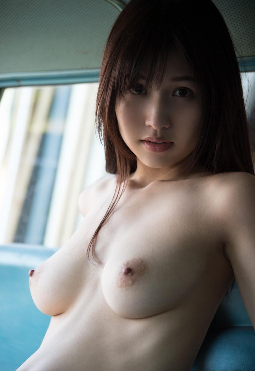 【美乳エロ画像】おっぱい好きもこれなら納得!?美乳の女の子集めたった! 49