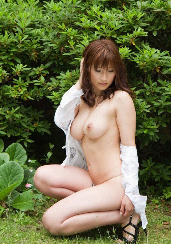 【美乳エロ画像】おっぱい好きもこれなら納得!?美乳の女の子集めたった! 50