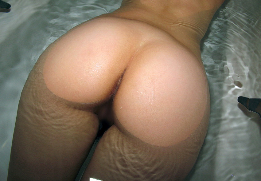 【美尻エロ画像】女の子らしい丸みのあるお尻に興奮するやつ、寄って来い! 09