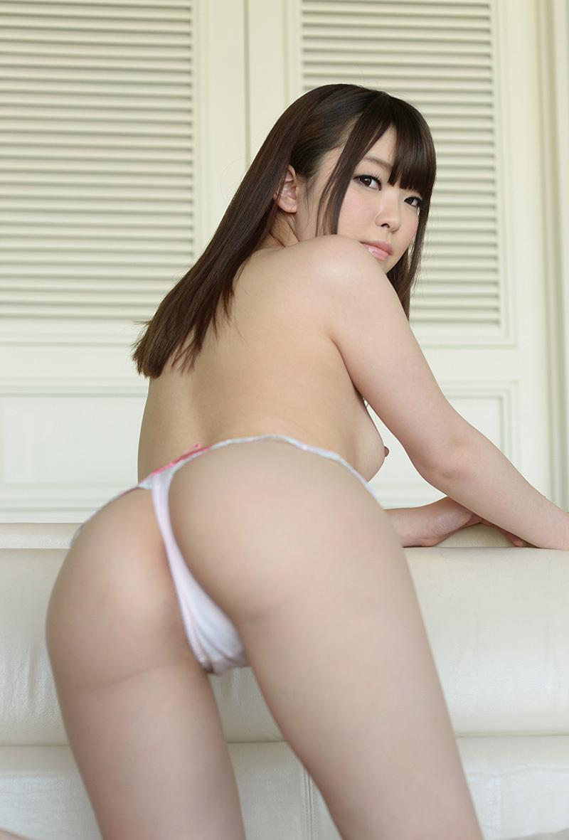 【Tバックエロ画像】Tバックパンティーの女の子の尻ってやたらソソるんだよな!w 13