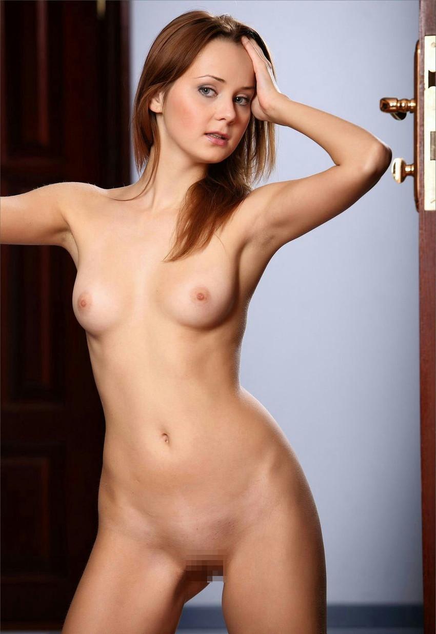 【海外ヌードエロ画像】透き通るほどの白い肌の海外女性ヌードがめっちゃシコッ! 25