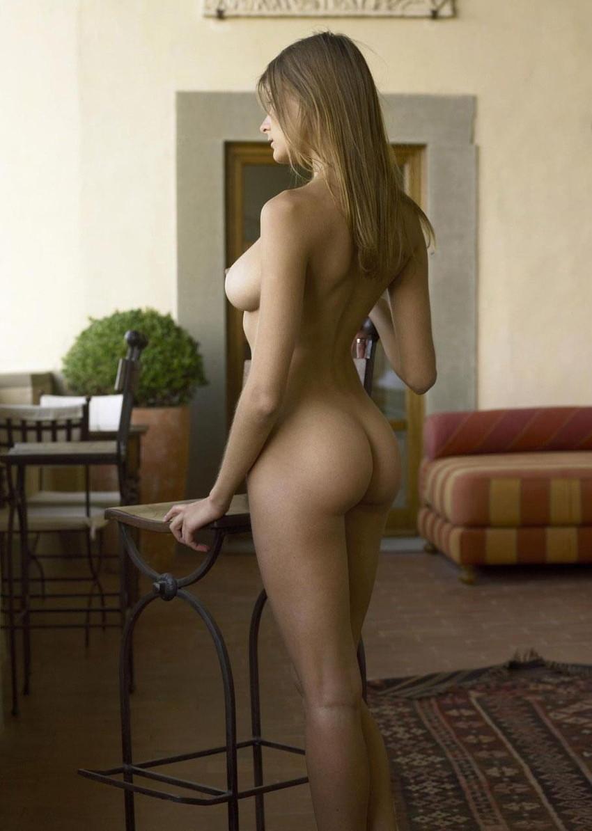 【海外ヌードエロ画像】透き通るほどの白い肌の海外女性ヌードがめっちゃシコッ! 27