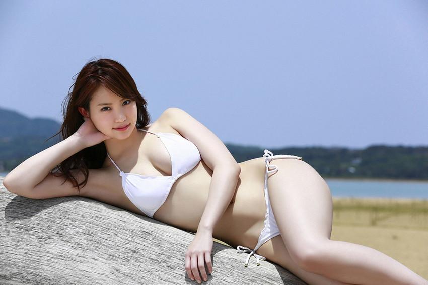 【ビキニエロ画像】下着とどこが違うの?ビキニ水着ってまるっきり下着じゃね? 47