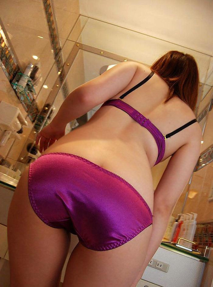 【フルバックエロ画像】ごくごくノーマルな形態の女の子のパンティー! 17