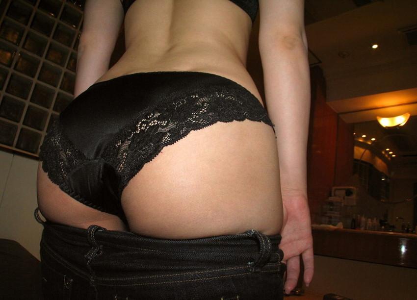 【フルバックエロ画像】ごくごくノーマルな形態の女の子のパンティー! 34