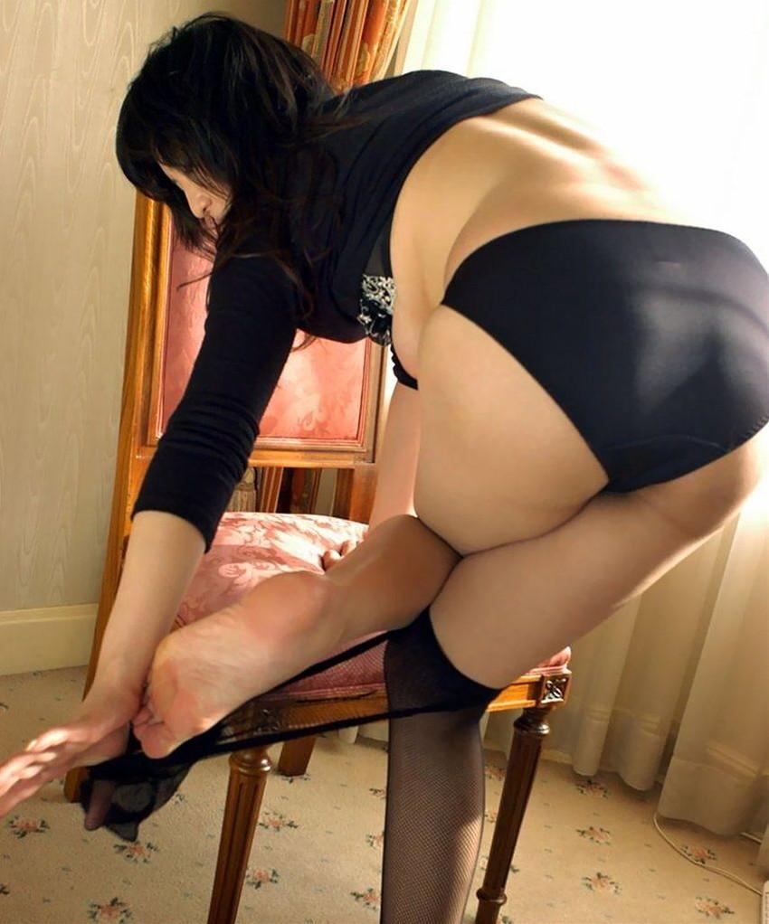 【フルバックエロ画像】ごくごくノーマルな形態の女の子のパンティー! 46