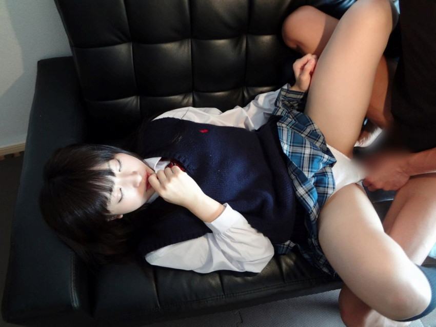 【JKコスプレセックスエロ画像】制服コスプレした女の子達の生々しいセックス! 22