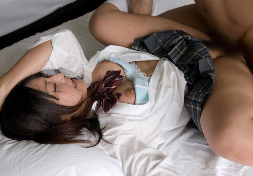 【JKコスプレセックスエロ画像】制服コスプレした女の子達の生々しいセックス! 26