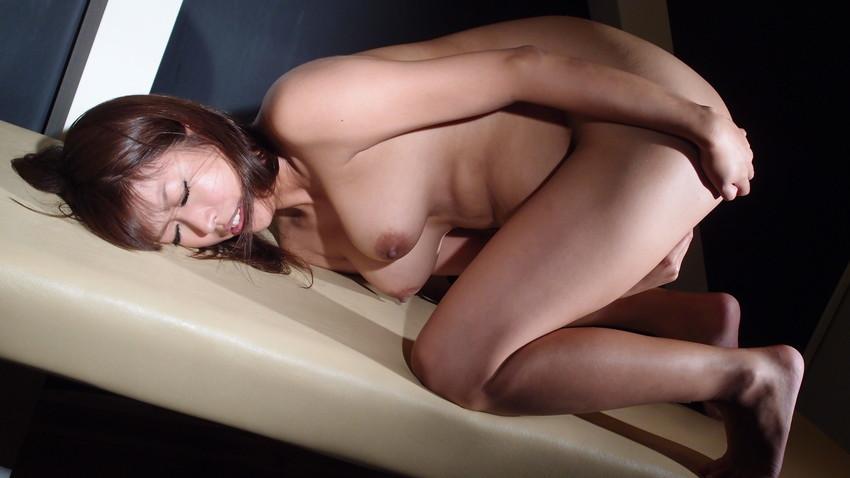 【指オナニーエロ画像】女の子だってオナニーくらいする!オーソドックスなオナニー! 56