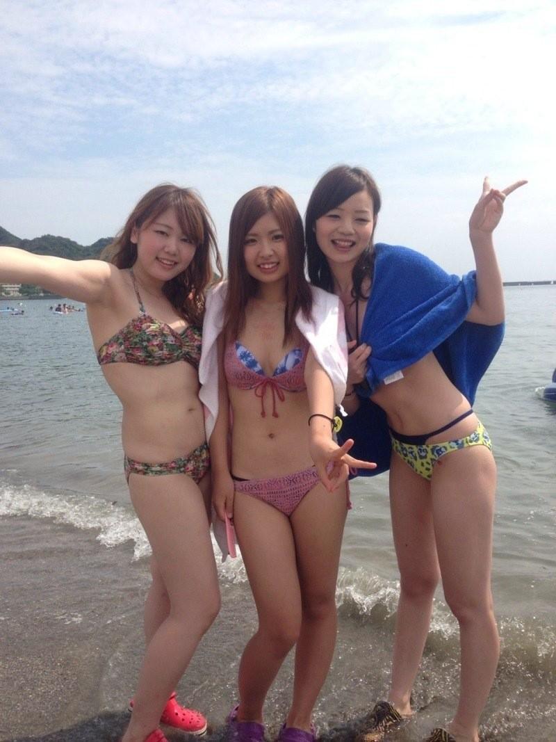 【素人水着エロ画像】素人娘たちの無防備な水着姿に思わず勃起した! 12