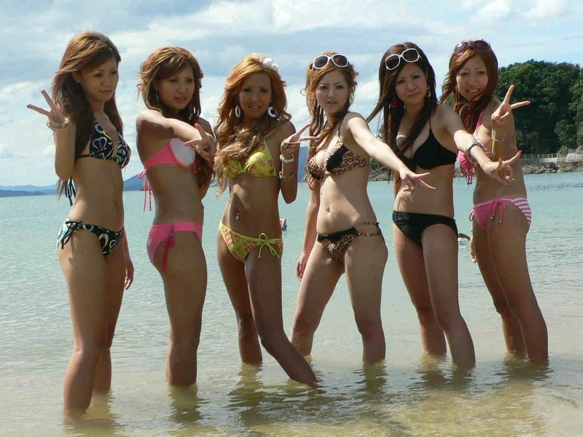 【素人水着エロ画像】素人娘たちの無防備な水着姿に思わず勃起した! 13