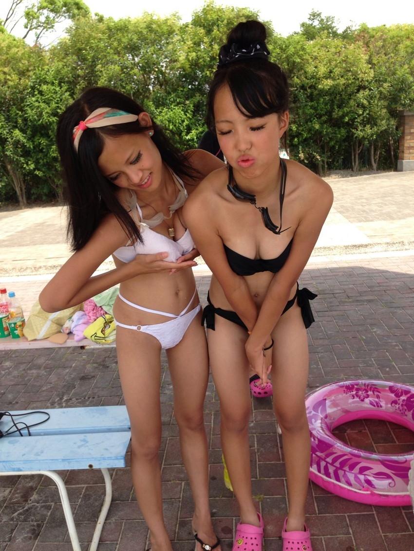 【素人水着エロ画像】素人娘たちの無防備な水着姿に思わず勃起した! 32