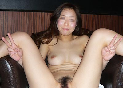 【リ●ンジポルノ画像】これは被害者も擁護不可能…ガッツリカメラ目線!撮らせる方も悪いリ●ンジポルノ画像(画像15枚)