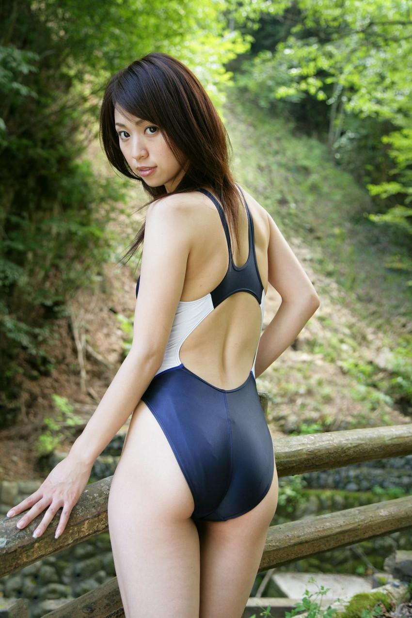 【競泳水着エロ画像】こんなエロい水着が競泳用の水着とか正気かよ!? 48