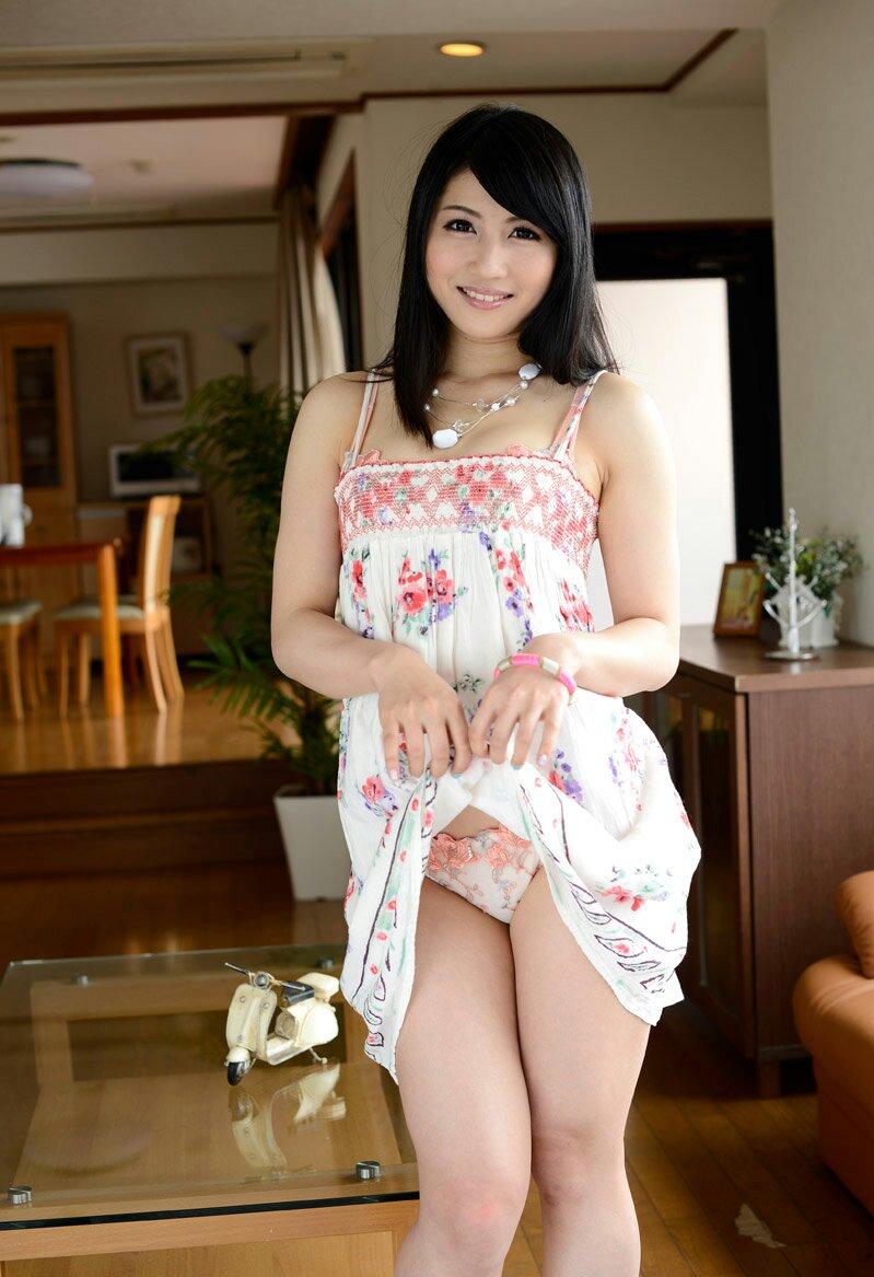 【セルフパンチラエロ画像】女の子のスカートの中身が最高にエロかったwww 08