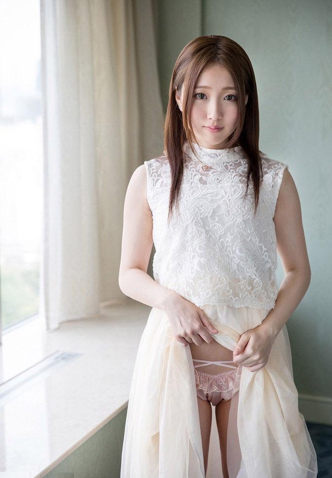 【セルフパンチラエロ画像】女の子のスカートの中身が最高にエロかったwww 13