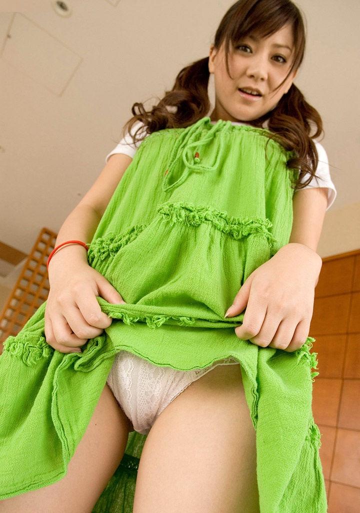 【セルフパンチラエロ画像】女の子のスカートの中身が最高にエロかったwww 48