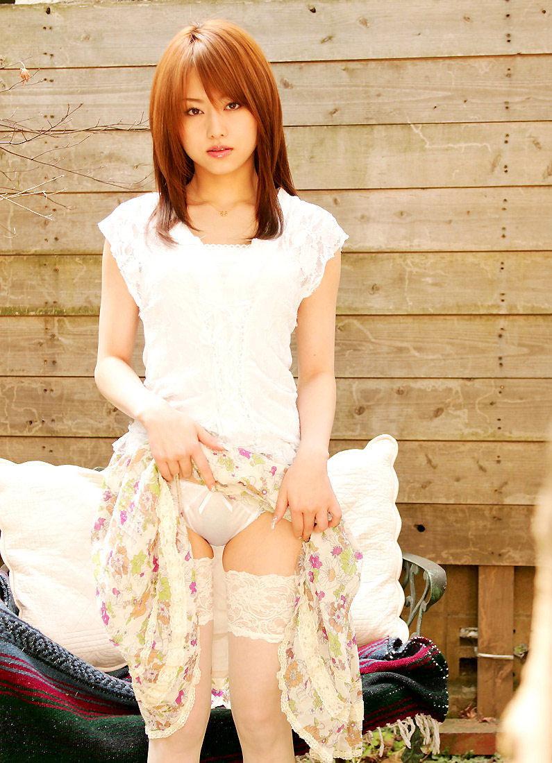 【セルフパンチラエロ画像】女の子のスカートの中身が最高にエロかったwww 50