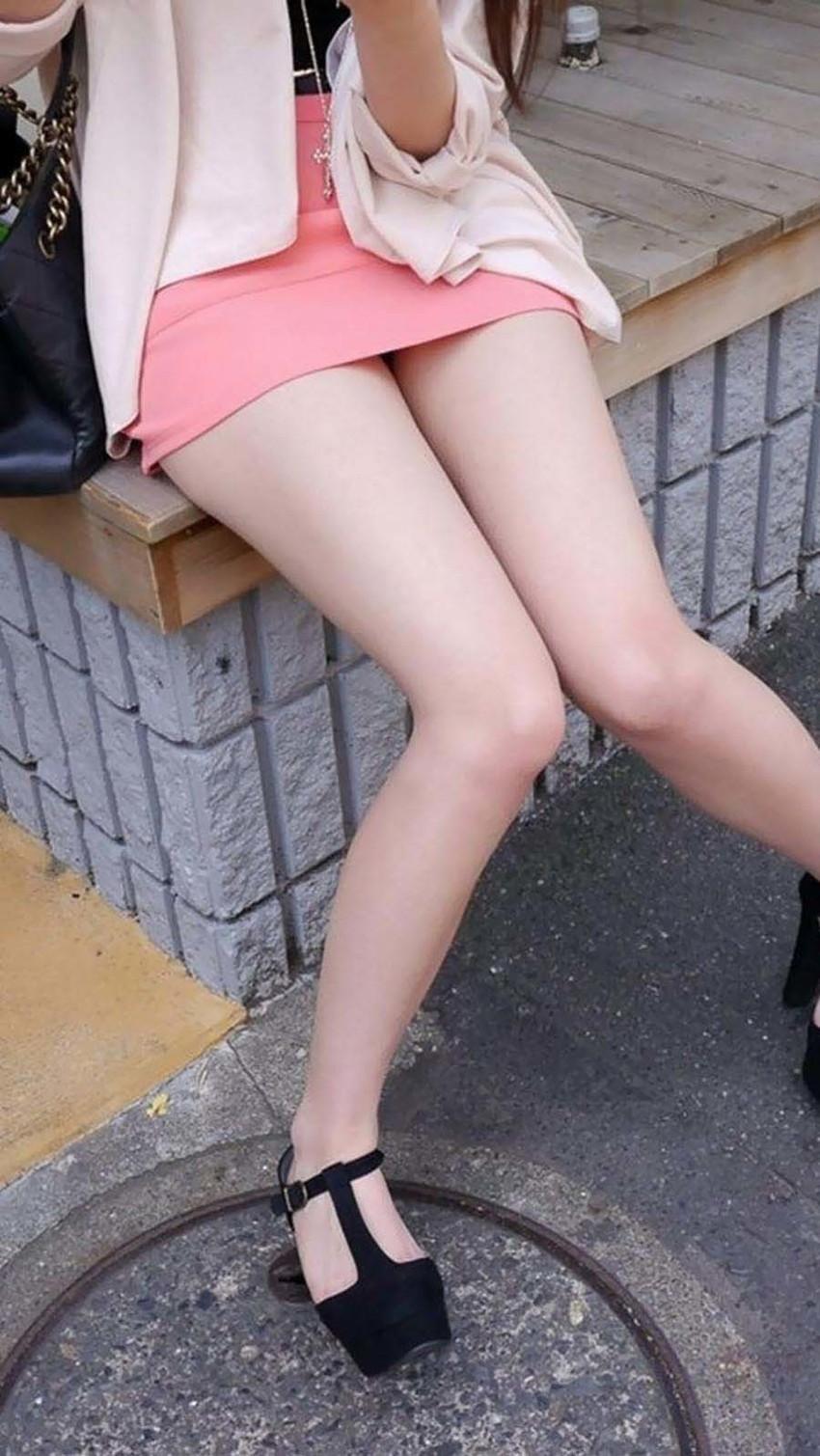 【美脚エロ画像】思わず見とれてしまう!?スラリと伸びた美脚美人! 43