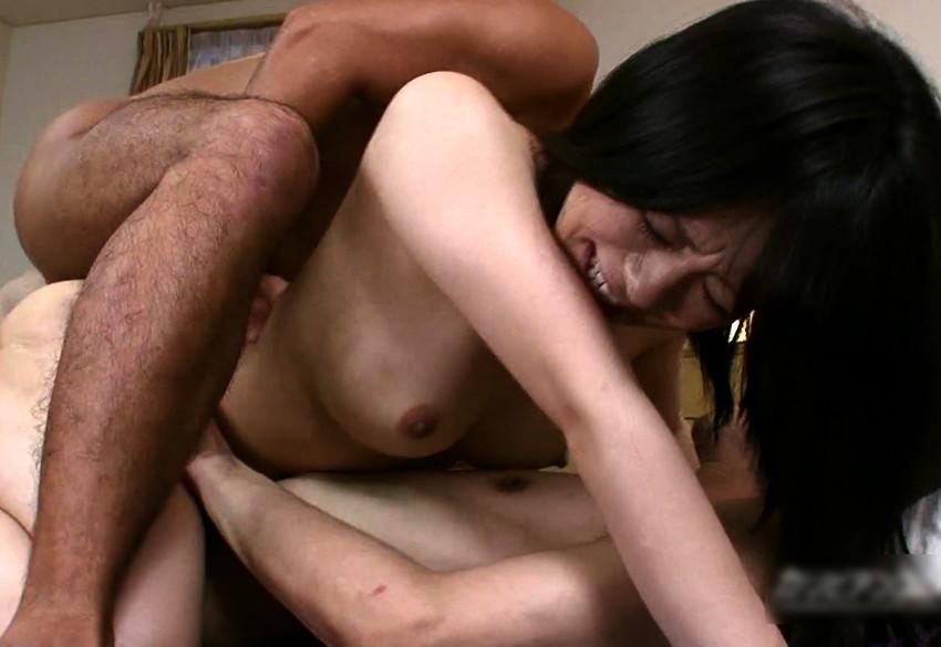 【2穴セックスエロ画像】オマンコにもアナルにもチンポねじ込まれてカイカ~ンww 20