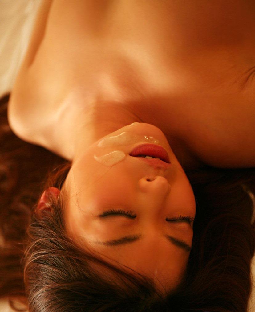 【顔射エロ画像】女の子の可愛い顔をザーメンで汚すってやつwwww 28
