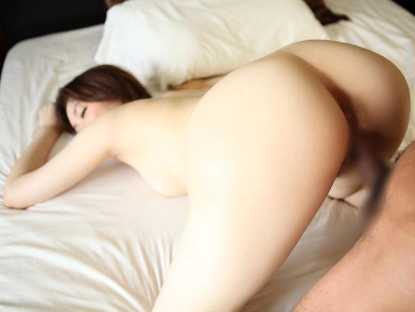 【バックエロ画像】バックでセックスすると女を犯している感じが味わえる!? 16
