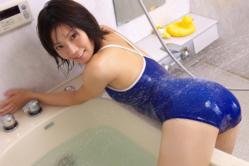 【スク水エロ画像】暑い夏はスクール水着の女の子でも見て楽しもうぜwwww 24